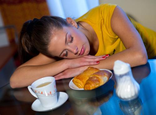 Schlafmangel: Schuld an Gewichtszunahme