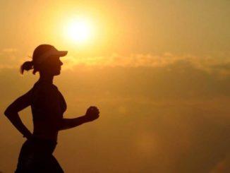 Fitnesstracker Joggen, nicht den eigenen Schatten jagen, joggen laufen zeit stress