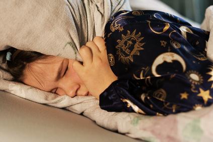 Frau mit einer Einschlafstörung