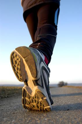 Fuß mit Sportschuh