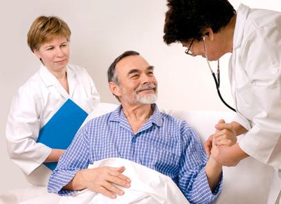 zwei Ärzte und ein Patient