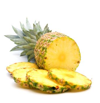 frische aufgeschnittene Ananas