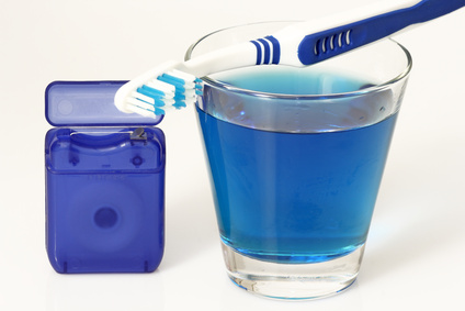 Zahnbürste, Zahnseide, Mundwasser