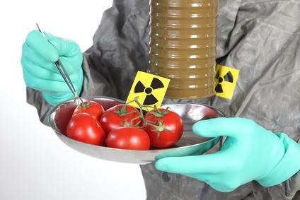 Arzt und radioaktive Tomaten