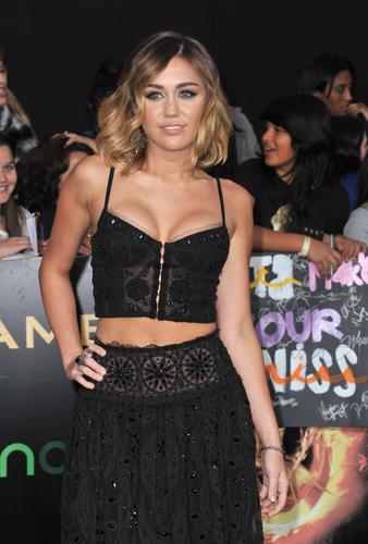 Miley Cyrus – hier im März 2012 bei einer Filmprämiere – schreibt ihren Gewichtsverlust einer Glutenfreien Ernährung zu