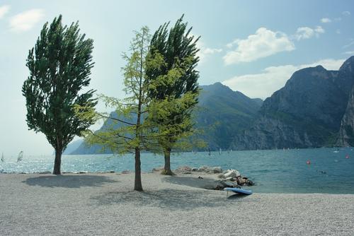 Der Gardasee: Surfen, Wasserski und Wakeboarden