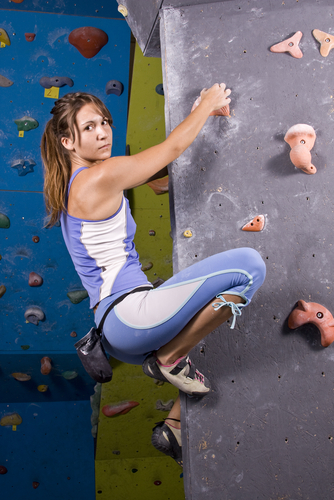 Bouldern: Klettern ohne Seil und Klettergurt